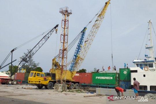 Arus peti kemas di pelabuhan Tanjung Pandan turun dampak COVID-19