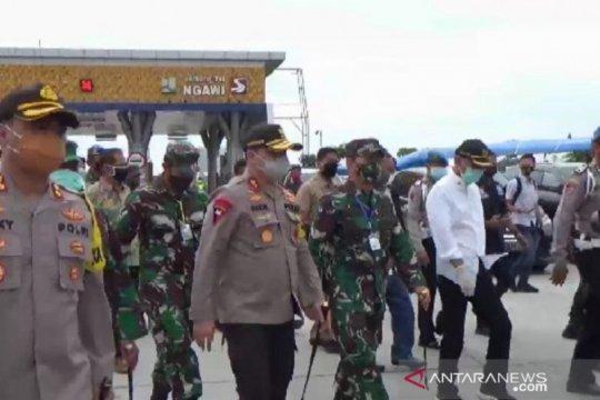 Kapolda Jatim-Pandam Brawijaya pantau arus mudik di jalur tol Ngawi