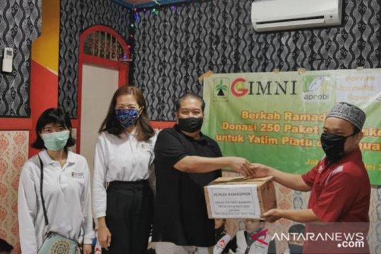 Asosiasi hilir kelapa sawit salurkan bahan pokok untuk warga DKI