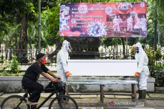 Kemarin, imbauan shalat Idul Fitri hingga pasar malam di Jakarta