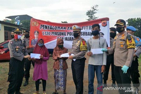 Ribuan personel Polres Subang salurkan zakat fitrah menjelang Lebaran