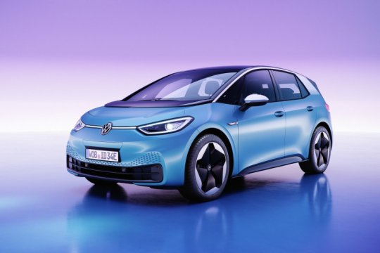 Mobil listrik Volkswagen jadi transportasi umum di Pulau Astypalea