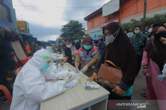 Rapid test di Pasar Merdeka Kota Bogor temukan lima reaktif