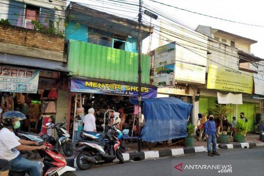 "Satpol PP Bandung akui banyak pedagang ""kucing-kucingan"" dekat Lebaran"