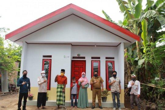 Dua warga Gowa terima bantuan rumah layak huni dari AMCF