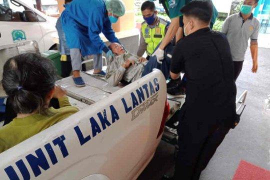 Satu tewas dalam kecelakaan Minibus Elf dan motor di Majalengka