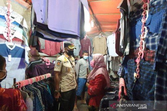 Satpol PP Jakarta Pusat razia Pasar Malam Jiung Kemayoran