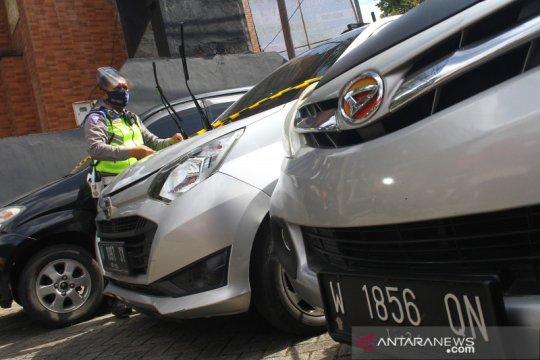 Kemenhub-Polda Metro Jaya jaring 95 unit travel ilegal bawa pemudik