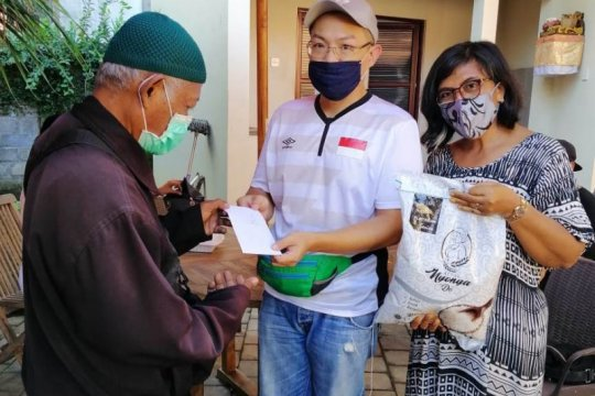 Perantau di Ubud bantu sesama  terdampak pandemi COVID-19