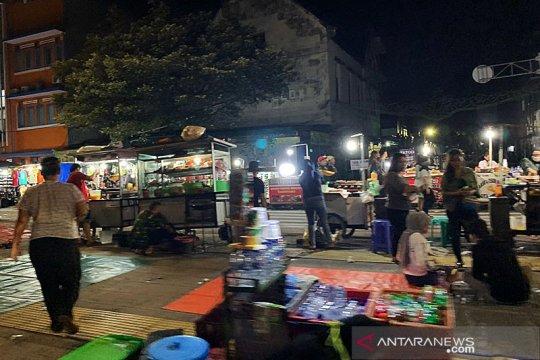 Kawasan Kota Tua ramai pengunjung di malam takbiran