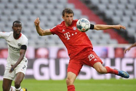 Bayern mantap di puncak usai lumat Frankfurt 5-2
