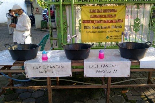 Masjid sediakan fasilitas cuci tangan untuk jamaah