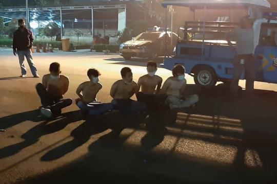 Satpol PP Jaktim tangkap enam remaja pesta miras di malam takbiran