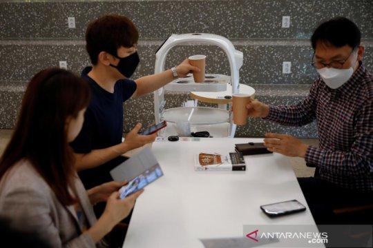 Korsel gunakan robot barista untuk cegah penyebaran corona