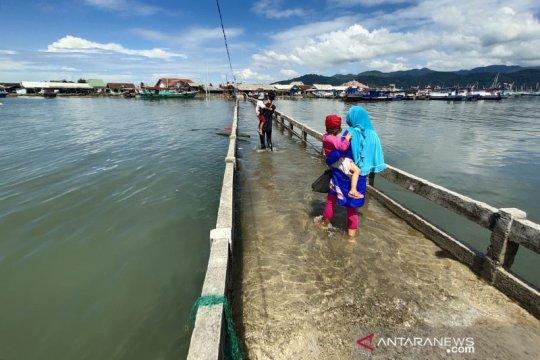 Banjir rob rendam akses ke luar masuk Pulau Pasaran