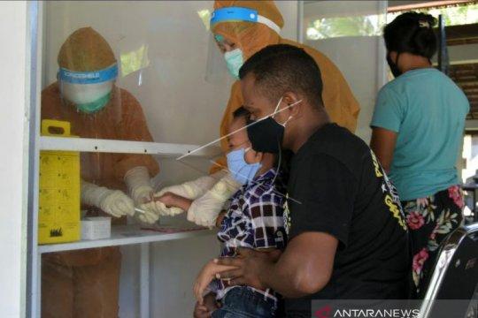 21 warga Banjar Sayan Baleran Badung reaktif tes cepat COVID-19