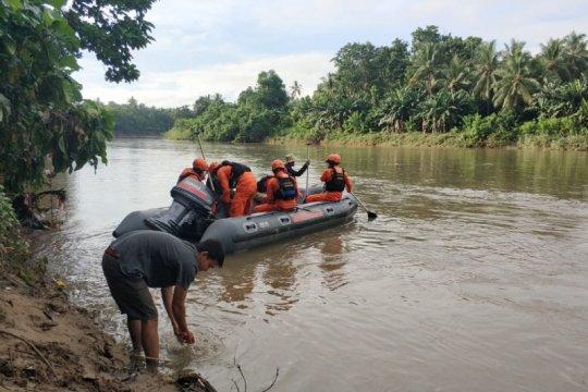 Tiga korban tenggelam di Polman belum ditemukan