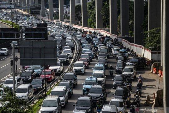 Arus lalu lintas di ibu kota