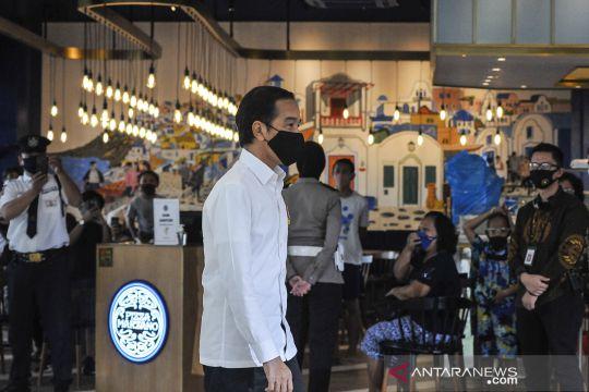Presiden Jokowi tinjau pusat perbelanjaan di Bekasi