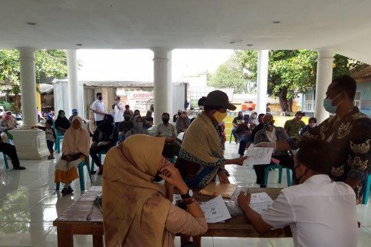 Penerima BST di Bekasi bersyukur terima Bantuan Sosial Tunai