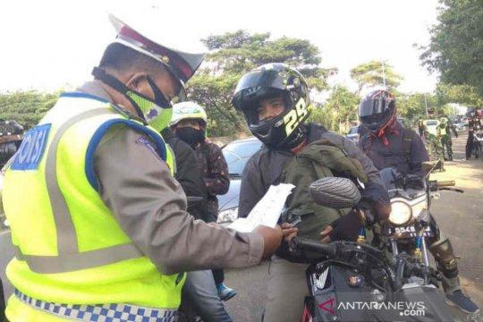 Tim gabungan cek kendaraan pemudik di jalur pantura Cirebon