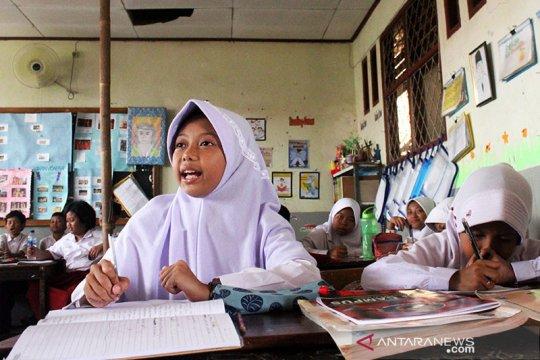 Hari pertama kegiatan belajar mengajar di DKI 13 Juli 2020