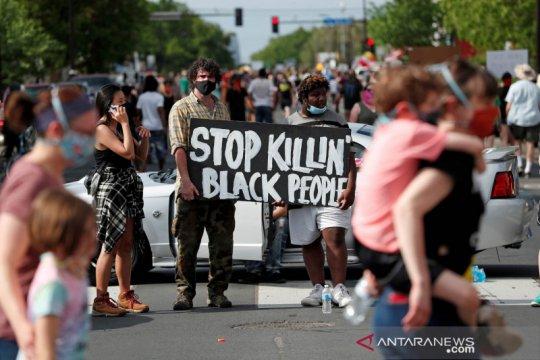 Polisi Colorado dipecat karena foto ejekan kematian warga kulit hitam