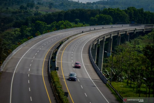 Wamen BUMN: Transportasi darat menggeliat pertanda perbaikan ekonomi