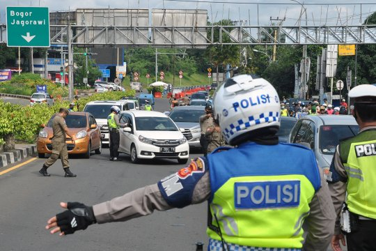 Sepekan, bus pemudik modus karyawan hingga korban petasan meninggal