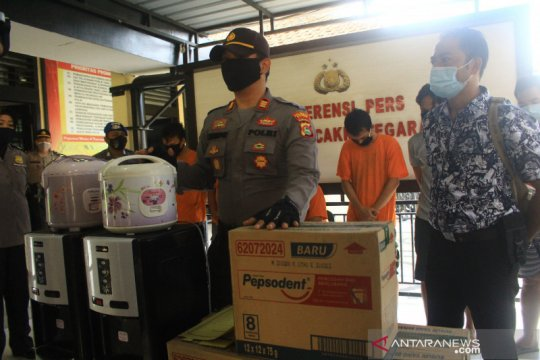 Polisi tangkap otak komplotan pencuri APD