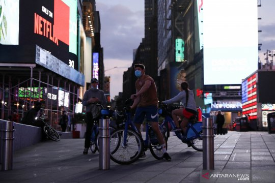 Kampanye #DontGoDark di Manhattan