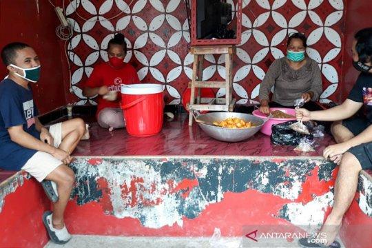 Warga Wirogunan Yogyakarta buka dapur umum bantu mahasiswa indekos