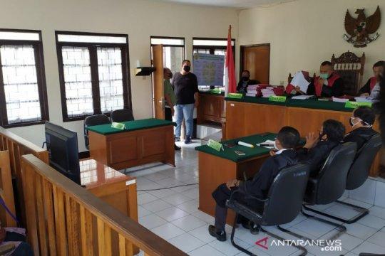 Hakim vonis lima mahasiswa pendemo sebabkan seorang polisi tewas