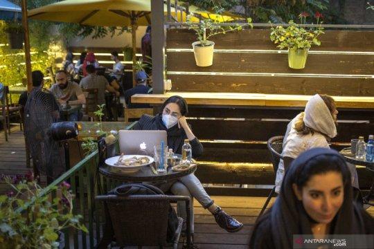 Iran buka kembali restoran dan kafe
