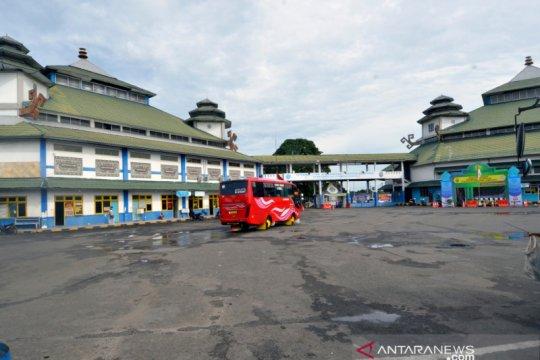 Terminal Rajabasa sepi penumpang