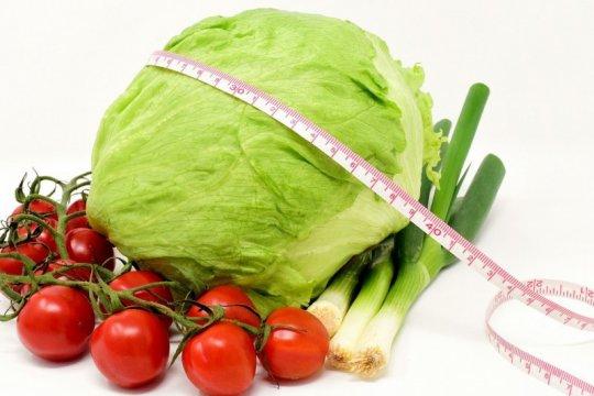 Lebih baik sayuran atau buah dulu untuk turunkan berat badan?