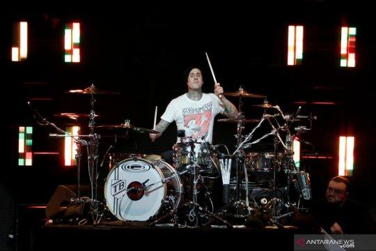 """Terinspirasi corona, Blink-182 akan rilis lagu """"Quarantine"""""""