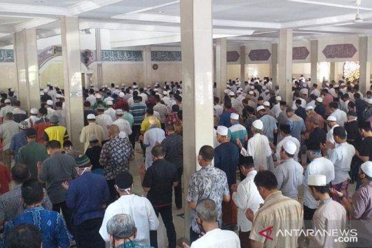 Shalat Jumat di Bogor selipkan doa qunut untuk usir wabah