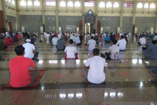 Masjid di Batam mulai gelar Shalat Jumat