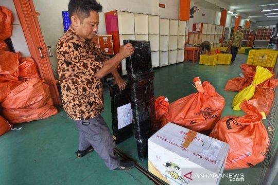 Peningkatan pengiriman paket belanja daring saat pandemi COVID-19
