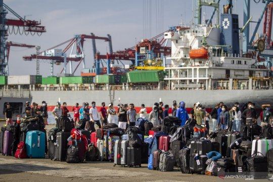 Kedatangan 818 WNI ABK kapal pesiar MV Carnival Splendor