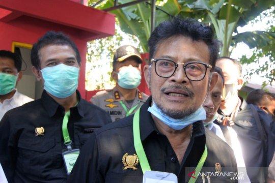 Menteri Pertanian serahkan bantuan obat-obatan atasi flu babi di NTT