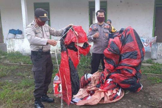 Petugas sita 7 balon udara siap terbang di Wonosobo