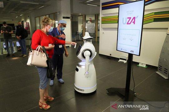 Robot COVID-19 patroli di rumah sakit Belgia