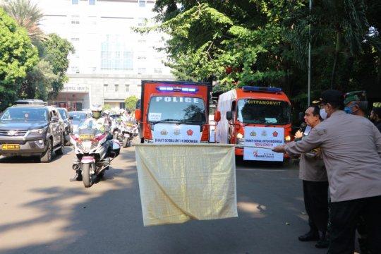 TNI-Polri bagikan 15.000 paket sembako ke masyarakat terdampak COVID