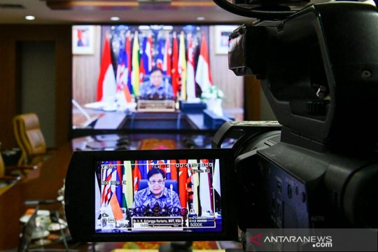 Menko Airlangga ungkap Indonesia akan ekspor APD