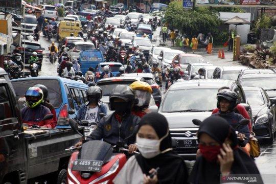 Kepadatan jalur wisata Puncak Bogor