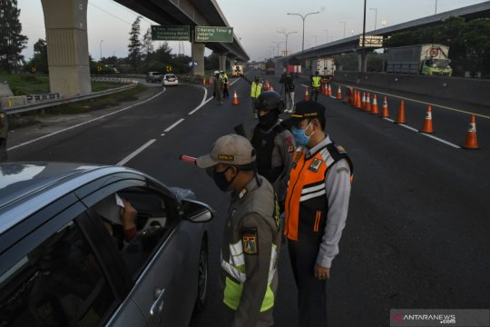 Jasa Marga catat 4.599 kendaraan ke Jakarta diputarbalik di Cikampek
