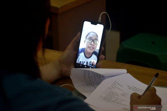 Tes wawancara calon siswa baru secara daring
