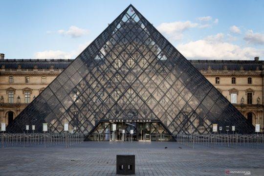 Museum Louvre Paris siap dibuka kembali awal Juli